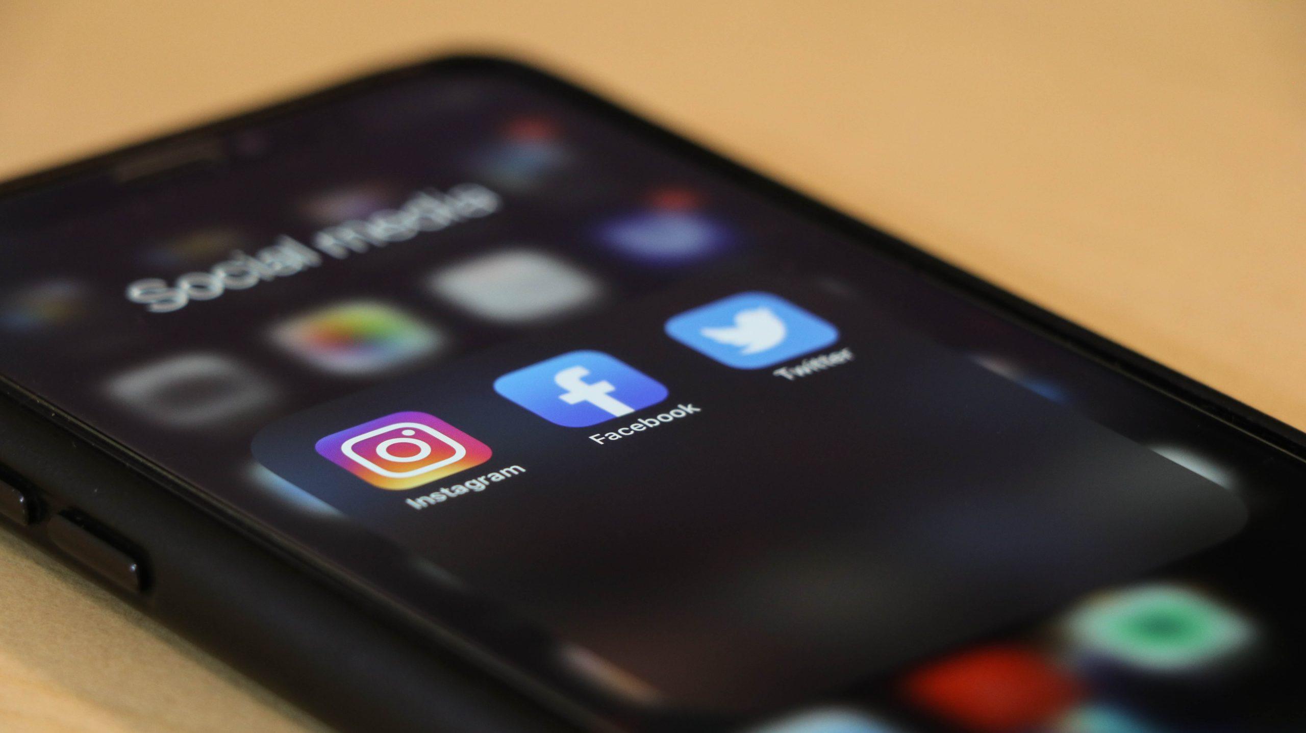 Être présent sur les réseaux Sociaux… Oui, mais lesquels ?